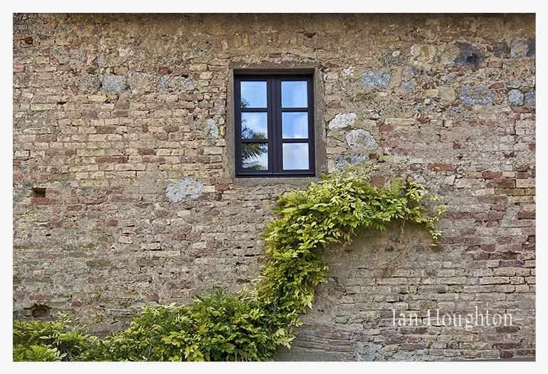 0c3a7692 The Window